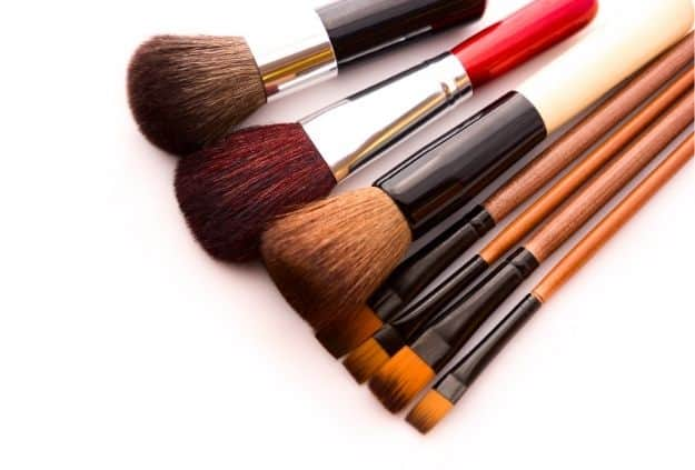 Use Clean Make-up Brushes